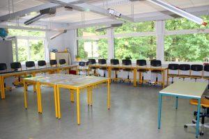 Rundgang durch den Bio- und GEWI-Raum der Grundschule